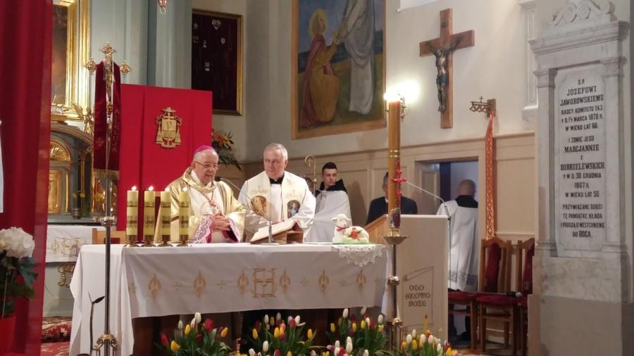 20180402 120951 900x506 - Wizyta księdza Biskupa Romana Marcinkowskiego