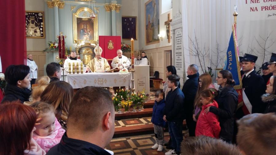 20180402 124825 900x506 - Wizyta księdza Biskupa Romana Marcinkowskiego