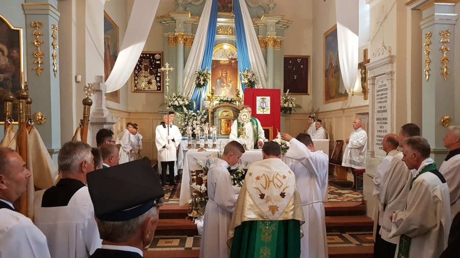 20190804 132739 900x506 - Święto w naszej Parafii Matka Boża Śnieżna jest już z nami 300 lat w głównym ołtarzu.
