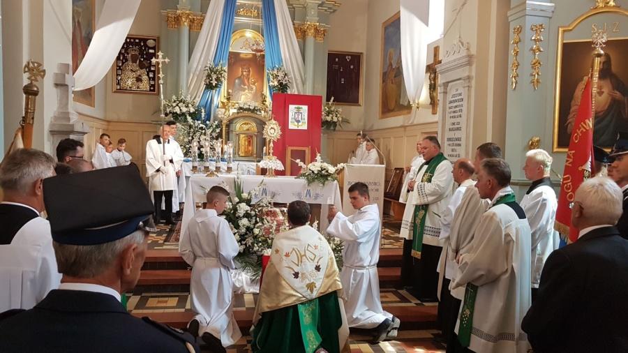 20190804 132804 900x506 - Święto w naszej Parafii Matka Boża Śnieżna jest już z nami 300 lat w głównym ołtarzu.