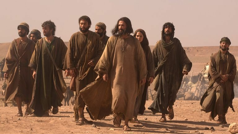 jezus i uczniowie 4 - Parafia Radzymin