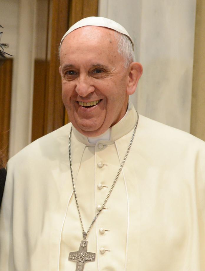 1200px Franciscus in 2015 696x920 - Parafia Radzymin